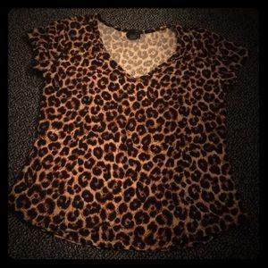 Gently worn cheetah print semi-fitted tee